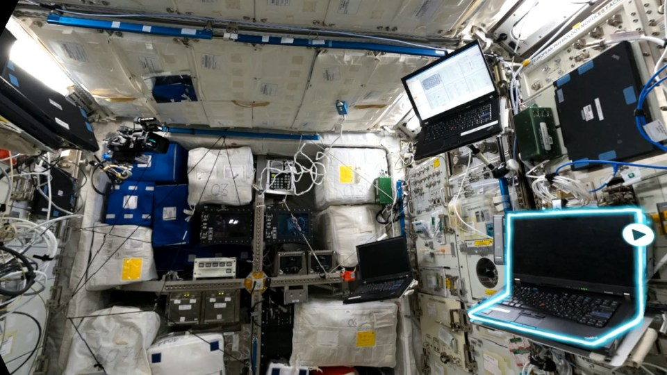 picture-iss-columbus-paxi-kibo-mapa-cpr-mp4-snapshot-00-24-2017-12-18-17-50-36-1513617061